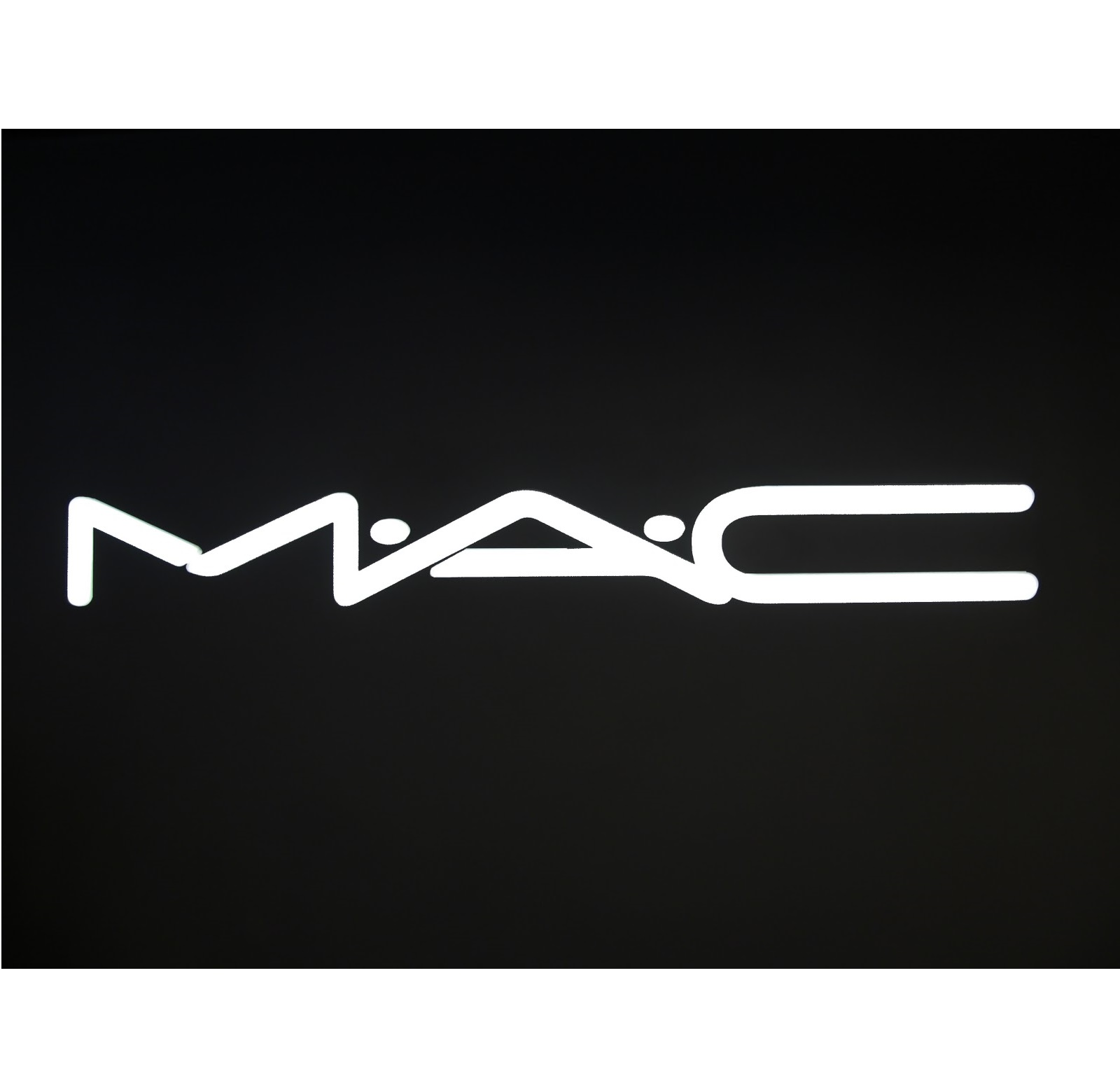 MAC 彩妆