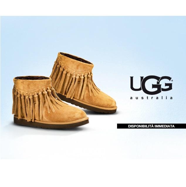 全包围呵护 UGG羊毛雪地靴