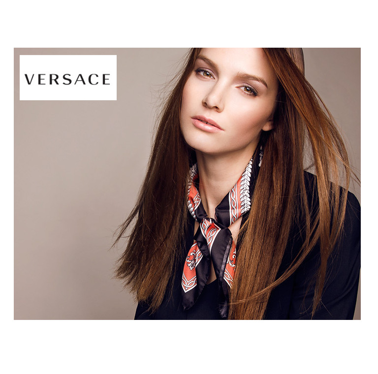 咫尺轻盈 Versace丝巾