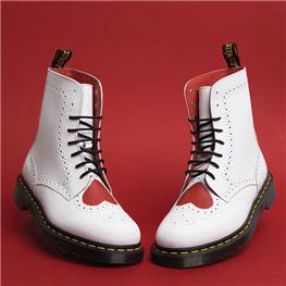首屈一指的工鞋品牌 Dr.Martens 马丁靴