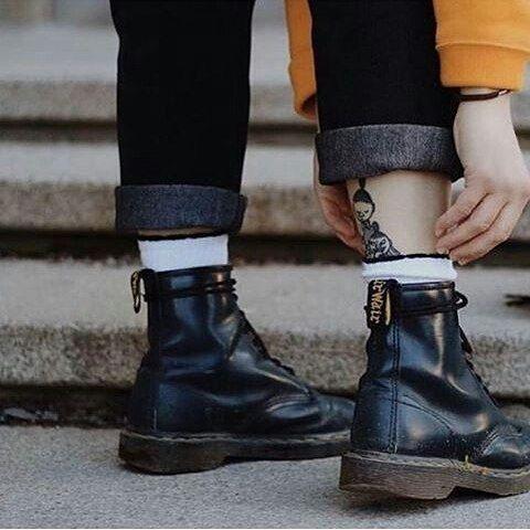 凹造型必备的马丁靴DR. Martens
