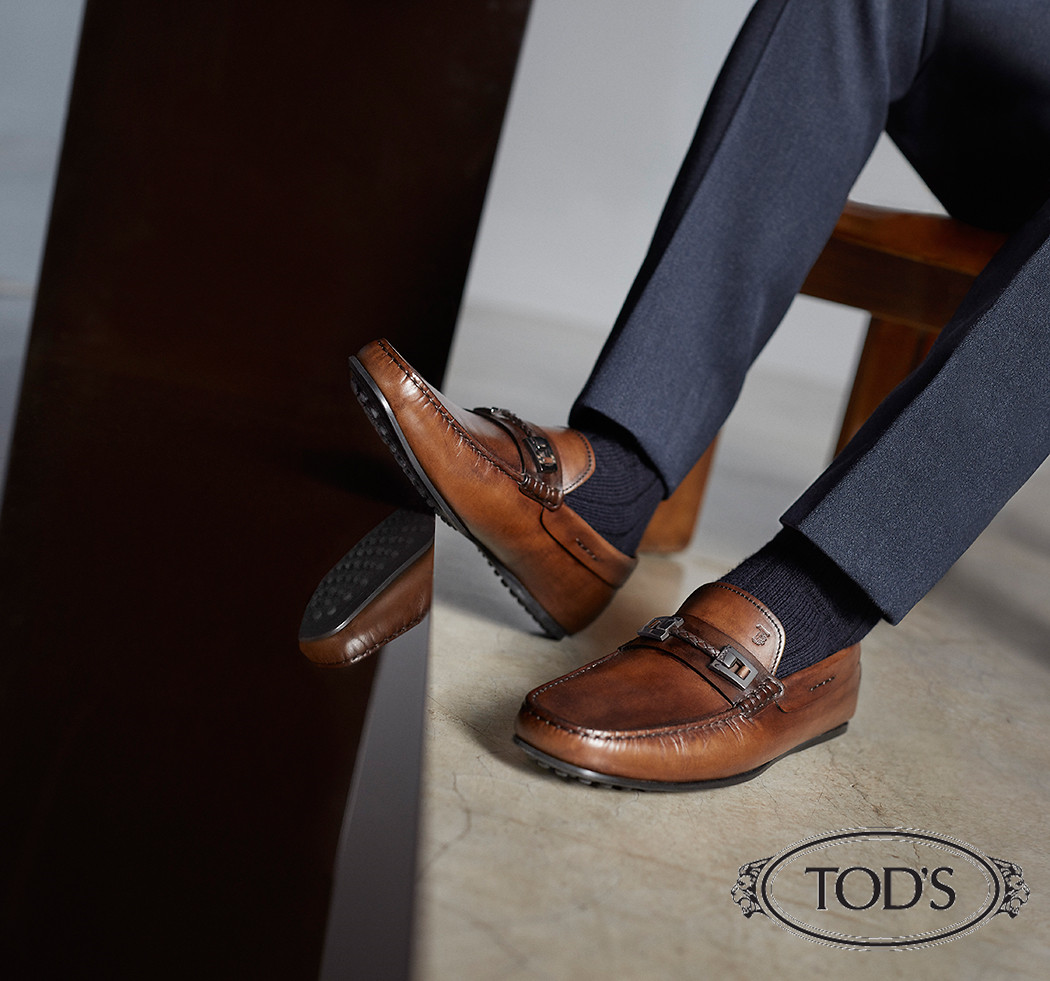 人脚一双 意大利Tod's 绝佳舒适豆豆鞋闪购