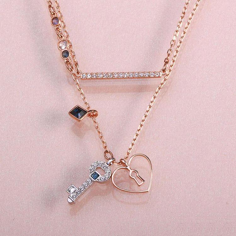 把你的心我的心串一串 Swarovski GLOWING KEY 施华洛世奇心形钥匙项链套装