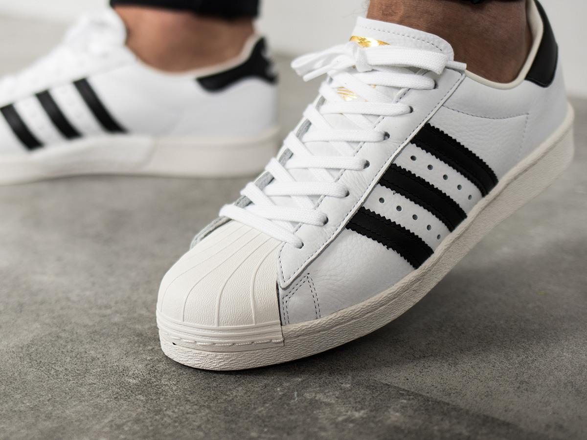 虽然火了一百年 但还是超好看的阿迪达斯贝壳头 男士金标运动鞋