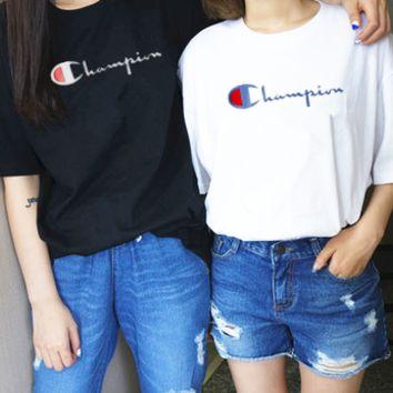 好穿不贵的潮牌-Champion简单大方T恤