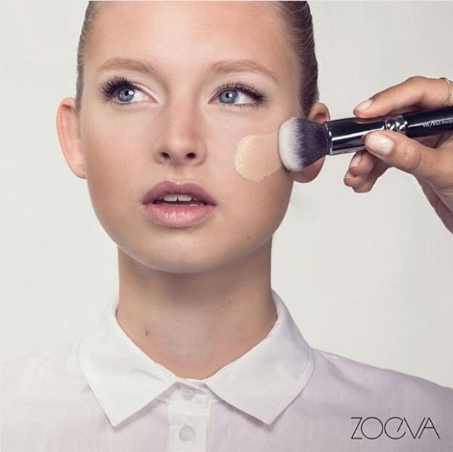 超柔软无粉痕 Zoeva 102 Silk Finish柔焦粉底刷(银黑和玫瑰金两色可选)