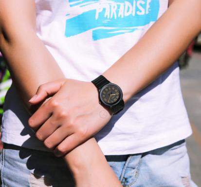 Casio MW2404BVEF 时尚男士腕表