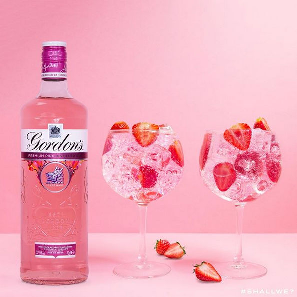 英国著名金酒品牌Gordon's发布新款粉色金酒——Pink Gin