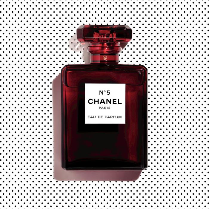 Chanel N°5 首次推出假日限量香水
