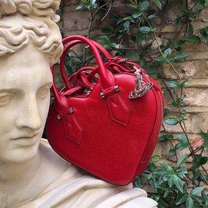 Vivienne Westwood 西太后朋克风首饰包包热卖