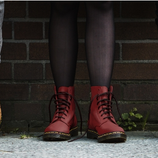 传统工艺打造的潮流靴子 Dr.Martens马丁靴
