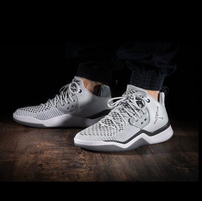 全新训练鞋款!简约灰色 Jordan DNA LX