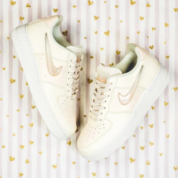 小红书网红款 Nike空军一号粉色果冻低帮sneaker