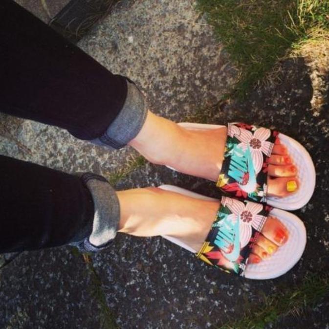 Nike Benassi JDI Floral 花卉拖鞋 多种配色