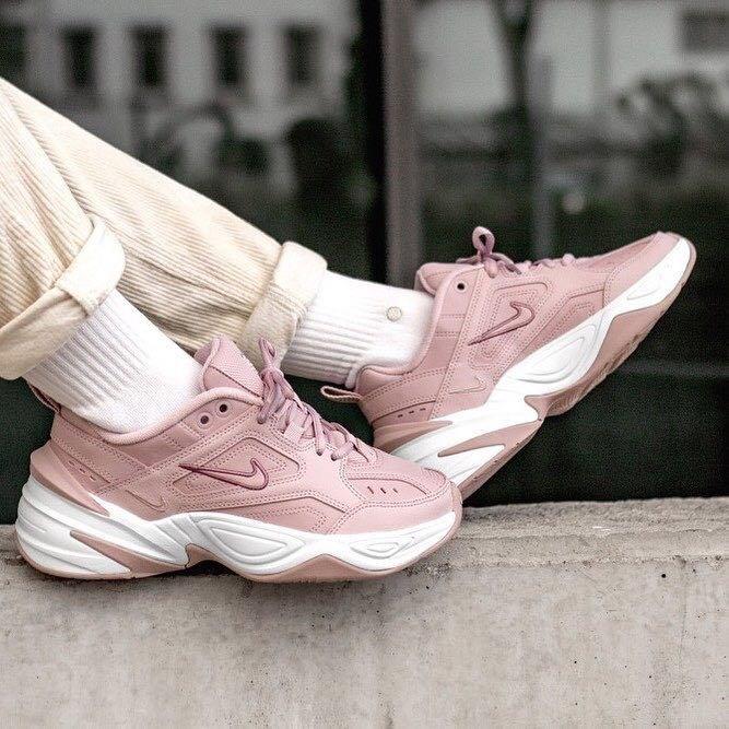 真的没办法抵抗「粉色诱惑」!最适合春天的老爹鞋 Nike M2K Tekno 桃花粉色