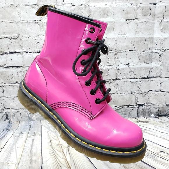朋克少女 Dr. Martens 1460 亮粉色马丁靴