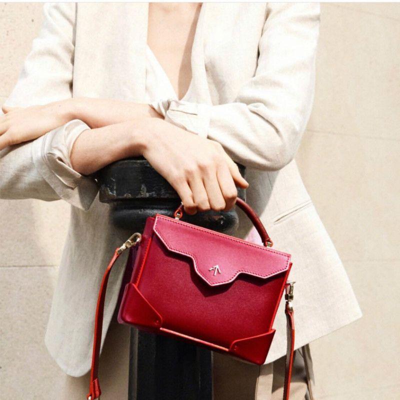 窜红街头的箭头包 高CP值手袋品牌Manu Atelier MICRO BOLD小牛皮包