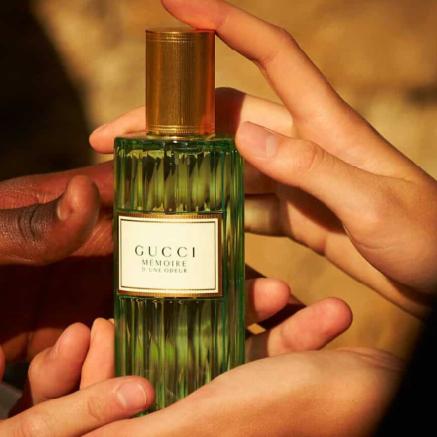 游走在癫狂与浪漫的复古美学 GUCCI 新品香水 MEMOIRE D'UNE ODEUR(气味记忆)