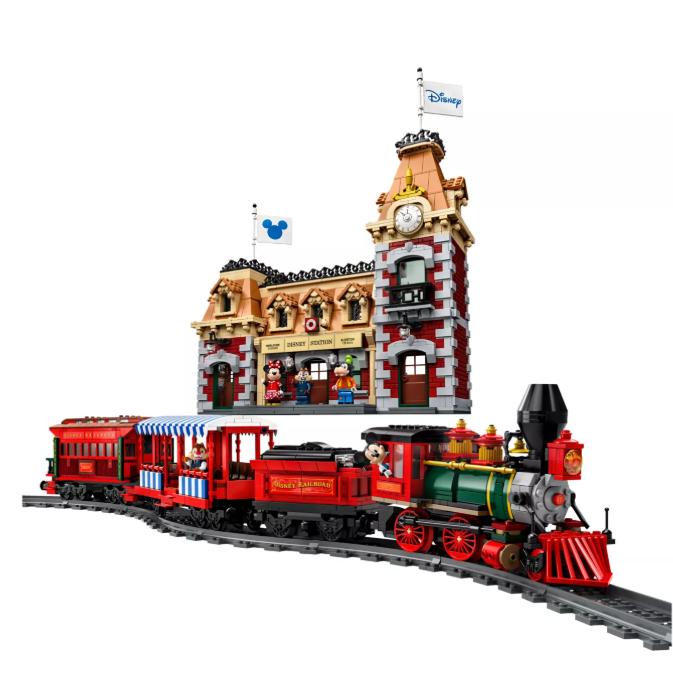 马上发车了!绕过城堡,沿着铁路,这里有乐高迪士尼火车和车站!