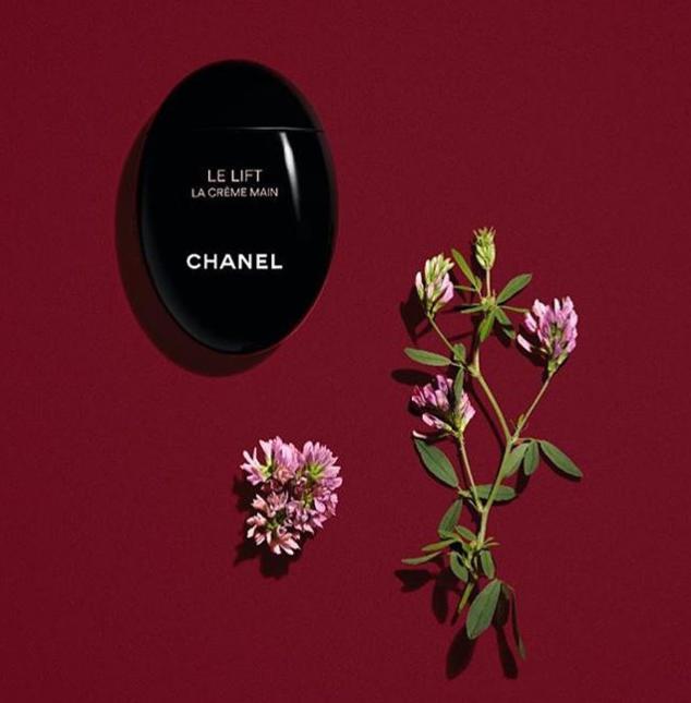 Chanel 香奈儿鹅卵石护手霜推出帅气极黑版