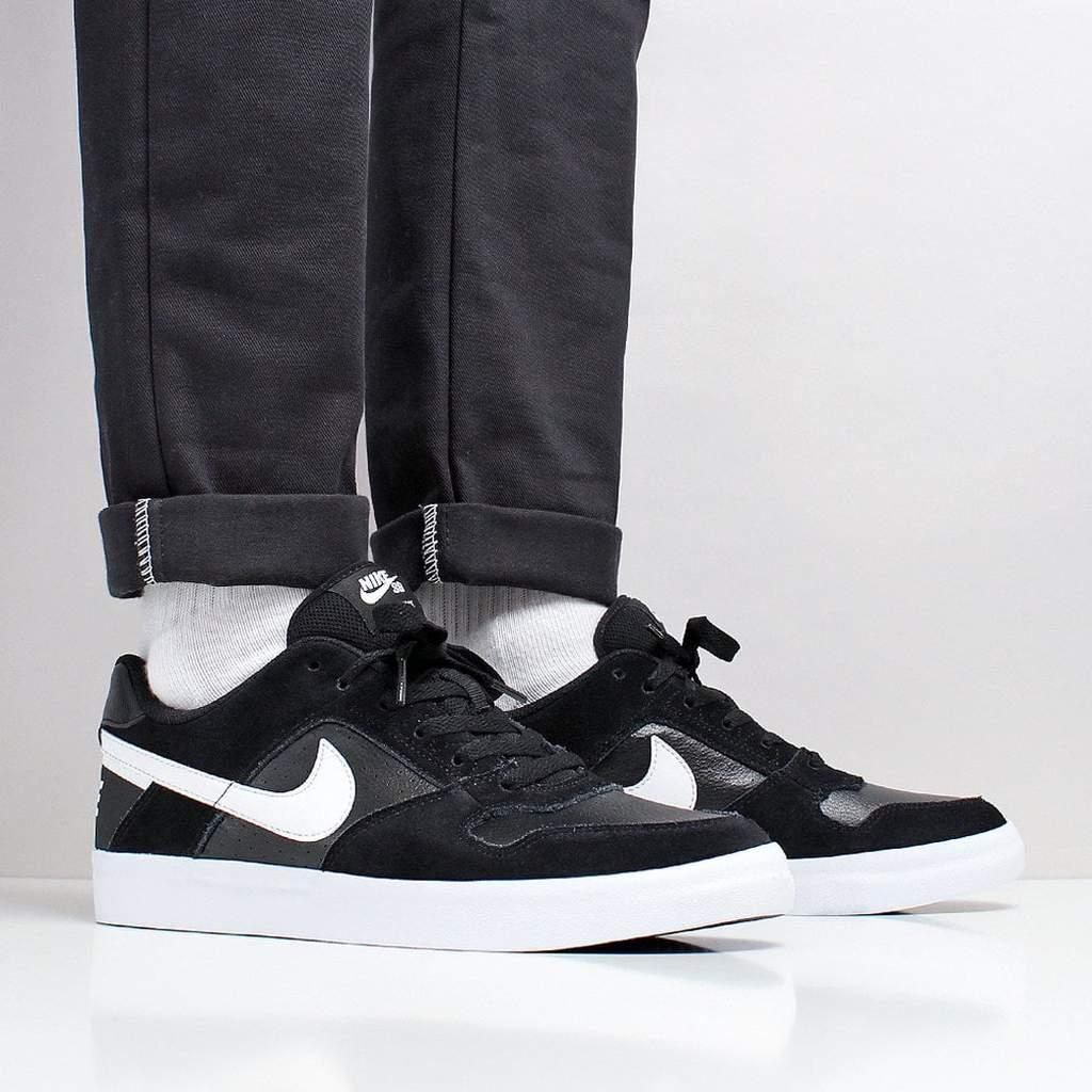 经典黑色板鞋 Nike SB Delta Force Vulc