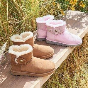 冬天来啦,需要一双毛茸茸的UGG雪地靴治脚冷!