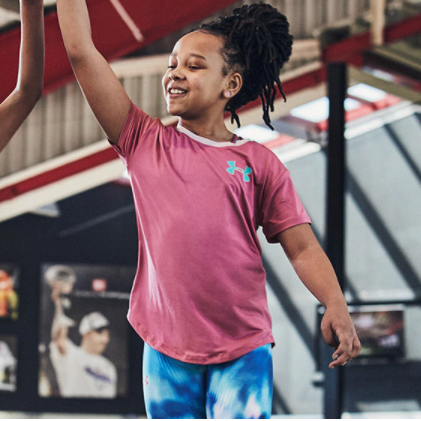 健身专业运动必备 Under Armour 男女儿童运动服饰和鞋履包包