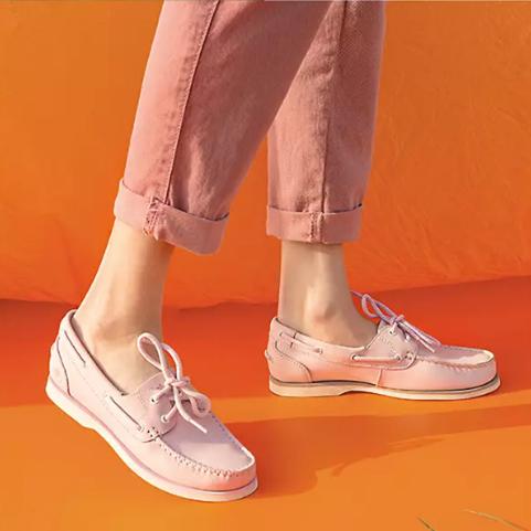嗲得出奇!Timberland 粉色乐福鞋