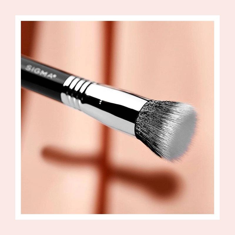 完美底妆的秘诀,抛光细腻光泽肌!Sigma 柔软专业粉底化妆刷#F80