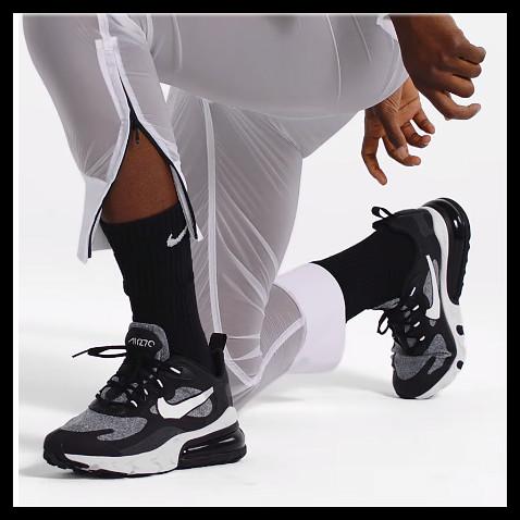 Nike Air Max 270 React 全款打折!多彩跑鞋