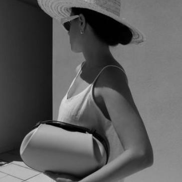 Yuzefi艺术品造型手拿包