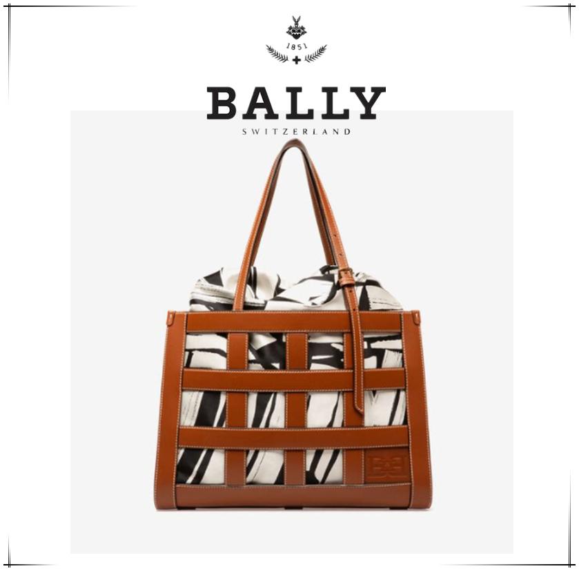 BALLY镂空皮革包包~带内瓤