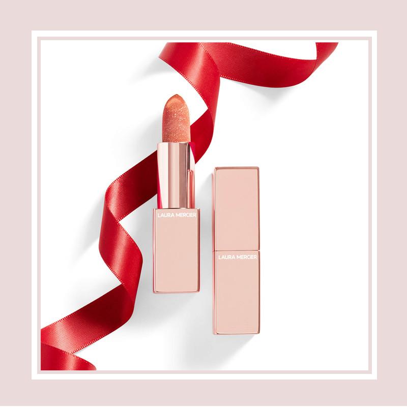 你的唇间,落满星光。温婉日系品牌 Laura Mercier 柔光轻吻润色护唇膏