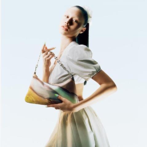 【直邮中国】几何美学的Danse Lente推出众多新包款~