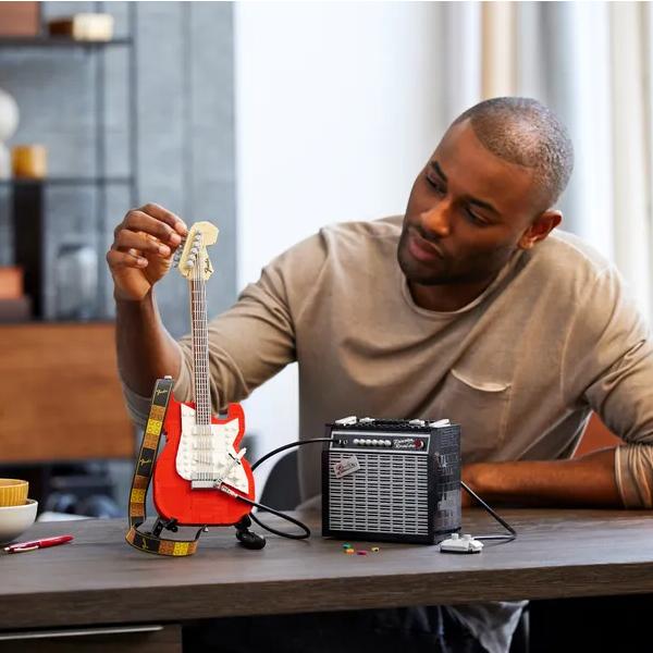 唤醒你曾经的摇滚乐手梦!LEGO 21329乐高概念Fender Stratocaster电吉他